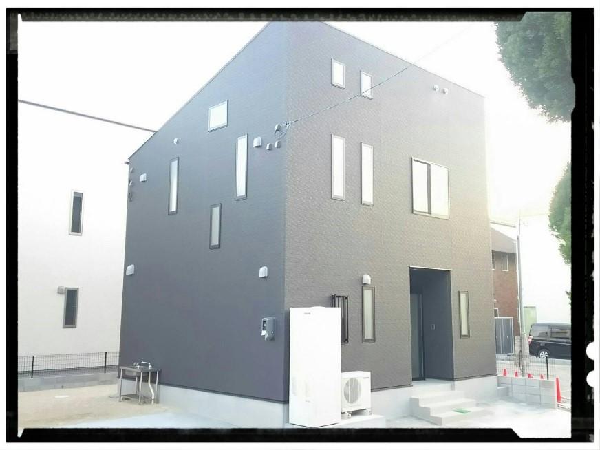 モノトーンのデザイン住宅を建てたいなら、呉市のオオサワ創研へ